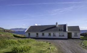 Photo of Clifftop House - At the edge of the world!