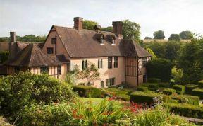 Photo of Salisbury House