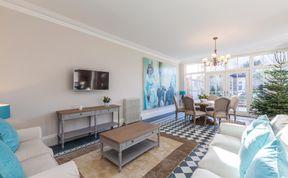 Photo of Lavish Dublin Residence