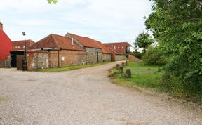 Photo of Far Barn