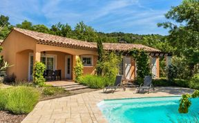 Photo of 3 bed villa Camiole