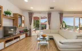 Photo of Holiday home Makarska-Lovrec