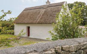 Photo of Spiddal Thatch Cottage Pet-Friendly Cottage