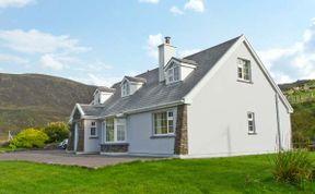Photo of Carraig Oisin Pet-Friendly Cottage