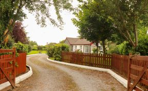 Photo of Beenkeragh House Pet-Friendly Cottage