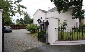 Photo of Glenart House B&B