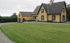 Photo of Sallowglen Lodge