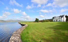 Photo of Dingle Tides - Majestic Seafront Property