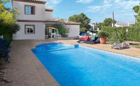 Photo of Villa L'Ametlla